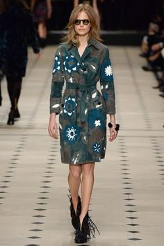 Burberry Prorsum Fall 2015 Ready-to-Wear Collection Photos - Vogue London Fashion Weeks, Fashion Week 2015, Fashion Trends, Burberry Prorsum, Runway Fashion, High Fashion, Fashion Show, Fashion Design, Fall Fashion