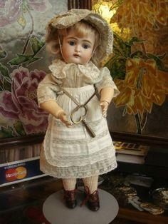Beautiful Kestner walking doll incl. orig. key and in perfect condition!