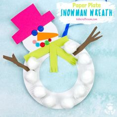 This Paper Plate Snowman Wreath is adorable! With button eyes and a cheeky smile no-one will be able to resist! This simple paper plate snowman craft is a great Christmas and Winter craft. Hang them on the door, window or wall for some snowman craft fun! Preschool Christmas Crafts, Winter Crafts For Kids, Crafts For Kids To Make, Holiday Crafts, Snowman Wreath, Snowman Crafts, Christmas Paper Plates, Paper Plate Crafts For Kids, Snowflake Craft
