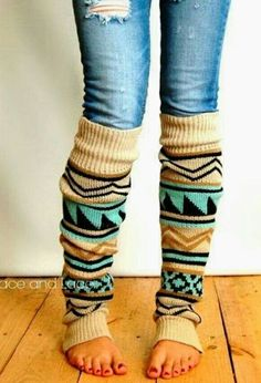 Aztec Leg Warmers - tribal print boot socks legwarmers - over the knee leg warmers - grace and lace (these leg warmers look super cute) Beauty And Fashion, Fashion Hub, Look Fashion, Passion For Fashion, Cheap Fashion, Fashion Trends, Winter Wear, Autumn Winter Fashion, Cozy Winter
