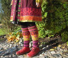 Ravelry: NeulovaNarttu's Muhu legwarmers