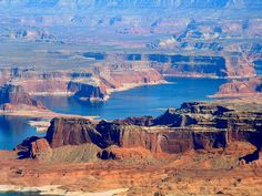 Lake Powell is so amazing. I want to get a houseboat and go back for a week! Great Places, Places To See, Beautiful Places, Pismo Beach, Lake Powell, Arizona Usa, Best Vacations, Amazing, Adventure Travel