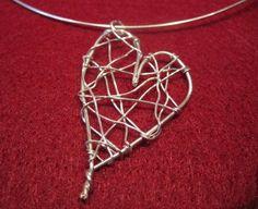 DIY: wire heart necklace