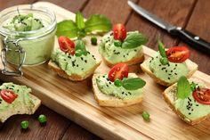 Przepis na Pasta z groszku Avocado Toast, Tasty, Breakfast, Ethnic Recipes, Food, Morning Coffee, Essen, Meals, Yemek