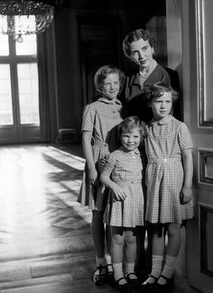 Queen Ingrid of Denmark with her three daughters, royalty, family portrait, history, photograph, photo b/w.