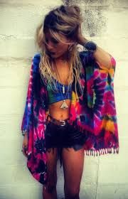 Tie Dye looks are perfect for festival outfits! Tie Dye looks are perfect for festival outfits! Festival Looks, Festival Mode, Festival Wear, Festival Fashion, Rave Festival, Festival Makeup, Ethno Style, Hippie Style, My Style