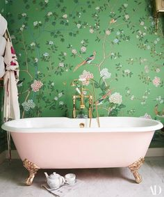 Poppy Delevingne's London Home Poppy Delevingne's London Bathroom, De Gournay chinoiserie wallpaper, claw foot tub, brass hardware Vinil Wallpaper, Of Wallpaper, De Gournay Wallpaper, Painted Wallpaper, Pink Wallpaper Bathroom, Designer Wallpaper, Beautiful Wallpaper, Wallpaper Ideas, Oriental Wallpaper