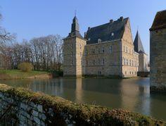 Château d'Abée in Abée - Tinlo  via chateaubelgique.com