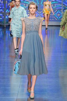 Europen Star Catwalk Lace Crochet Button Chiffon Maxi Dress  Item number:WH14050502 Wholesale price:US$ 20.27