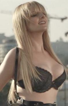 Melissa Rauch as Bernadette Maryann Rostenkowski (www.maxim.com Exclusive US December 2013)