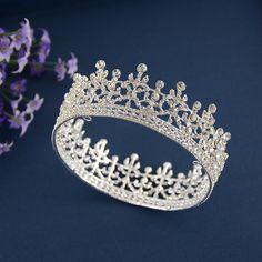Aliexpress.com'da Kay's Wedding üzerinden Yüksek Kalitetede Saç Takı,yeni varış eski kristal taç en kaliteli avusturya kristal büyük düğün taç el yapımı parlak gelin saç takı xb124 hakkında daha fazla Saç Takı bilgi elde edin.
