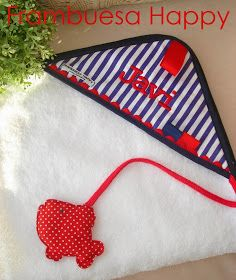 FRAMBUESA HAPPY: CAPA DE BAÑO PERSONALIZADA Baby Essentials, Two Piece Swimsuits, Children, Kids, Towel, Baby Shower, Happy, Sewing, Crocheting