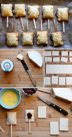 E essa ideia de queijo brie e geleia , dentro de uma massinha folhada assada no palito? Super dica pra próxima festinha, né? Fotos: Ex...