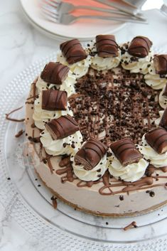 No-bake Kinder Bueno cheesecake No-bake Kinder Bueno cheesecake The post No-bake Kinder Bueno cheesecake appeared first on Kinder ideen. Cheesecake Deserts, Cheesecake Mix, Cheesecake Recipes, Fun Baking Recipes, Bakery Recipes, Oreos, Mini Desserts, Delicious Desserts, Crunchie Cake