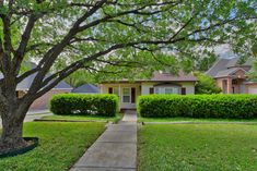 246 Montclair - Cute cottage style 3 bedroom, 3.5 bath 1 story for $525,000, MLS #1303246