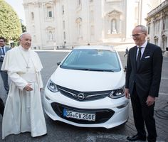 Pope Francis Presented With Opel Ampera-e (Rebranded Chevy Bolt EV)