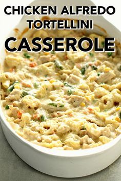 A simple homemade alfredo sauce tops this cheesy Chicken Alfredo Tortellini Casserole. It comes together in only a few minutes and is perfect for a busy night. Cheese Tortellini Recipes, Tortellini Alfredo, Tortellini Bake, Chicken Tortellini, Alfredo Chicken, Pasta Recipes, Bacon Pasta, Cheesy Recipes, Pesto Chicken