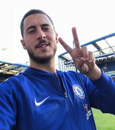 loves a goal against Bournemouth! Real Madrid, Football Boys, Eden Hazard, Football Wallpaper, Love Blue, Chelsea Fc, Soccer Players, My Eyes, Blues