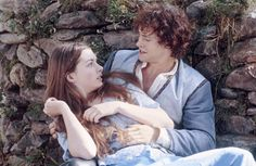 """Ella Enchanted"" movie still, L to R: Anne Hathaway, Hugh Dancy. Movie Gifs, Movie Quotes, Movie Tv, Movie Shelf, Ella Enchanted Movie, Movies Showing, Movies And Tv Shows, Movie Couples, Historical Romance"