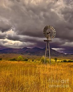 Old Windmill (Idaho) by Robert Bales 🇺🇸 Landscape Photos, Landscape Paintings, Landscape Photography, Farm Windmill, Old Windmills, Creation Photo, Country Scenes, Water Tower, Old Farm