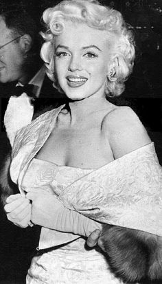"""Marilyn at the premiere of """"East of Eden"""", March 9th 1955."""