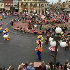 It's Goofy! #festivaloffantasy #magickingdom #waltdisneyworld
