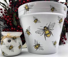 Painted Plant Pots, Painted Flower Pots, Hand Painted Rocks, Flower Pot Art, Diy Flower, Bee Painting, Decorated Flower Pots, Clay Pot Crafts, Bee Theme