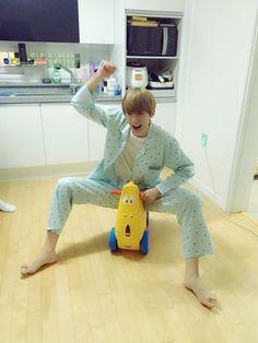 aishh this kid! Jooheon, Astro Sanha, Astro Wallpaper, Kpop Couples, Shared Folder, Wattpad, Cha Eun Woo, Ulzzang Boy, Cute Gay