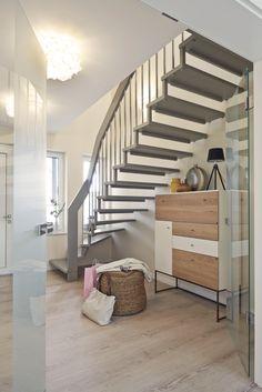 stauraum unter offene treppe fevziye pinterest treppe raum und offene treppe. Black Bedroom Furniture Sets. Home Design Ideas