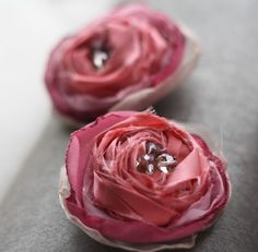 rustic roses exactly what I've been looking for! Now to call @Amanda Luman @MyPinkPixie.