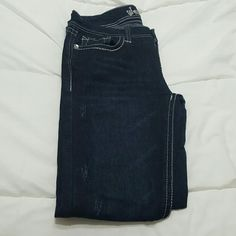 Wallflower skinny jeans size 9 Brand new without tags wallflower dark demin skinny jeans wallflower  Jeans Skinny