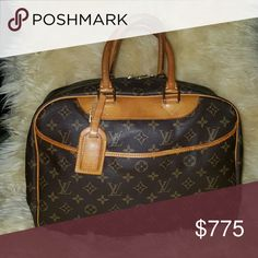 Louis Vuitton Deauville Medium light patina, no cracking, damage or staining. Comes with travel tag. Louis Vuitton Bags Satchels
