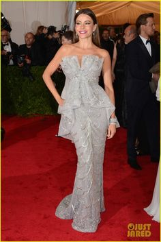 Sofia Vergara in Marchesa