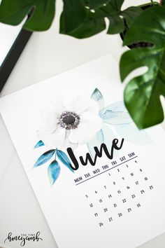DIY printable calendar. Easy tutorial on how to make your own printable calendar. Free Printable calendar for June