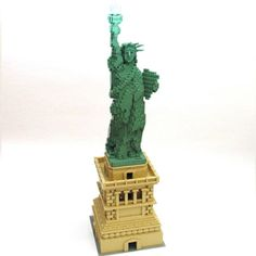 Nathan Sawaya- The Liberty Pedestal.
