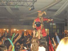 animasion en baile con zanqueros en tijuana