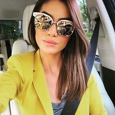 Especular Camila Coelho con sus Gafas de Sol RayBan Clubmasters de Madera (RB3016M)  @camilacoelho Get this look at FourSunnies.com  #sunglasses #shades #rayban #clubmasters #wood #rb3016m #selfiesummer #carselfie