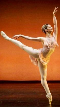 Obraztsova Ballet Poses, Dance Poses, Ballet Dancers, Ballerinas, Dance Costumes Lyrical, Ballet Costumes, Polina Semionova, Ballet Dance Photography, Latin Dance