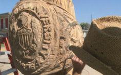 Texas Artist Turns Dead Tree into Aggie Art