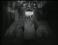 Metropolis directed by Fritz Lang, 1927 Metropolis Film, Metropolis Fritz Lang, Creepy Vintage, Vintage Love, Sci Fi Movies, Horror Movies, Silent Horror, Silent Film, Tableaux Vivants