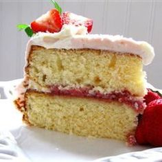 Easy Yellow Cake Recipe  2 Eggs 1/2 cupMilk,  1 Stick Butter 1 1/2 cups Flour , 1 Cup Sugar, 2 TeaspoonsVanilla , 1 3/4 teaspoons  Baking Powder. bake 350 for 30 minutes
