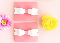 Click through to design your own gift card holders on Silhouette Studio. Click through for this DIY and Crafts tutorial Silhouette Projects, Silhouette Studio, Silhouette Cameo, Silhouette Portrait, Card Holders, Design Your Own, Diy And Crafts, Paper Bows, Projects To Try