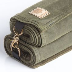 waxed canvas and wool blanket Cool Camping Gear, Camping Stuff, Camping Outdoors, Camping Ausrüstung, Bushcraft Camping, Bushcraft Gear, Hiking Gear, Glamping, Camping Equipment