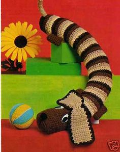 VINTAGE CROCHET PATTERN DACHSHUND DRAUGHT EXCLUDER/TOY