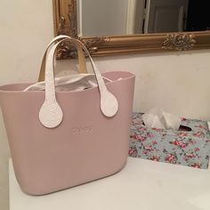 Chanel Handbags, Louis Vuitton Handbags, O Bag Mini, Louis Vuitton Designer, Iphone 6 S Plus, Cross Body Handbags, Purses And Bags, Tote Bag, Leather Totes