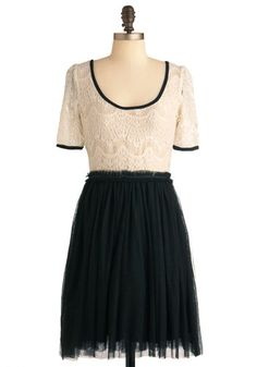 Love the two tone--especially in cream and black!-- plus it blends both lace and tulle.