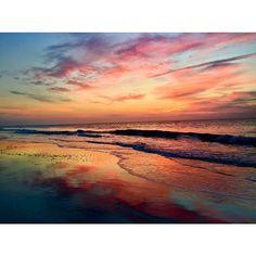10 Strikingly Gorgeous Photos of Savannah's Beach Downtown Savannah, Savannah Chat, Honeymoon Places, Tybee Island, Beach Look, Natural Wonders, Dream Vacations, Outdoor Activities, Cool Photos