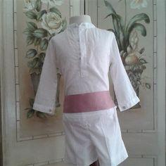Conjunto de camisa y pantalón en plumeti blanco y fajin rosa.  Cubete´s Kids - www.cubeteskids.es