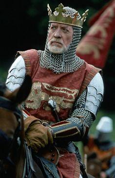 Patrick McGoohan in Braveheart, playing King Edward I .