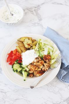 Kip gyros bowl - Another! Food Bowl, A Food, Good Food, Quick Healthy Meals, Healthy Recipes, Healthy Food, Healthy Diners, Work Meals, Food Challenge